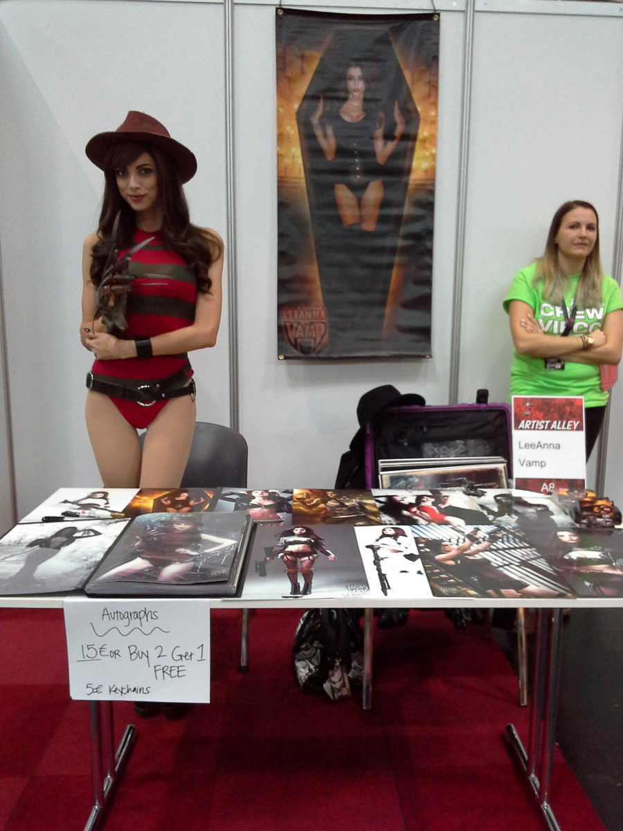 Cosplayer Vamptress LeeAnna Vamp